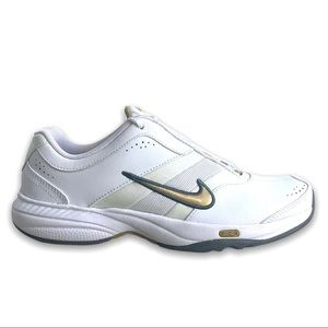 Nike Steady VII Trainer in White and Gold